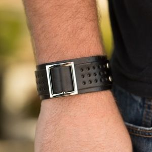 Leather Buckle Cuff